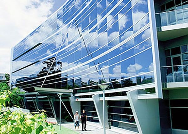 What is solar glass, how does it work and why is it an interesting option for commercial buildings?